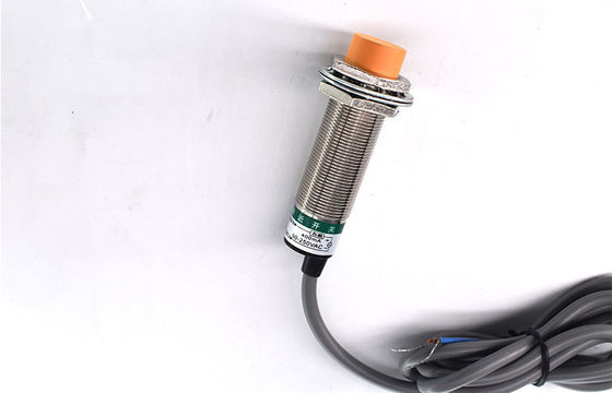 China Waterproof Two Wire Waterproof Proximity Sensor Long Service Life Simple Operation distributor